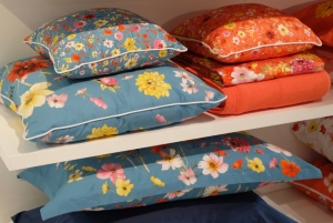 turquoise-and-orange-pillows