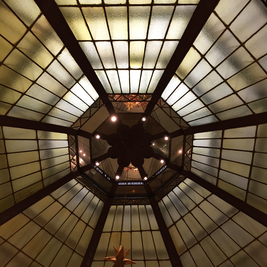 peace-hotel-ceiling