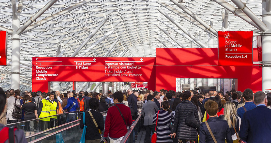 Crowds Salone-del-Mobile-Why-You-Should-Attend-iSaloni-2017